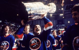 Islanders Holding Up Cup